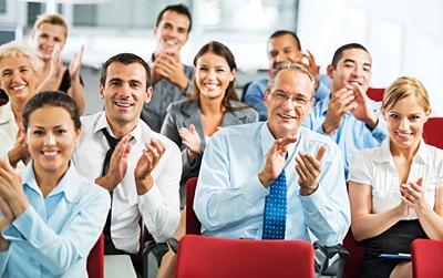 Groupe-applaudissant-21407705
